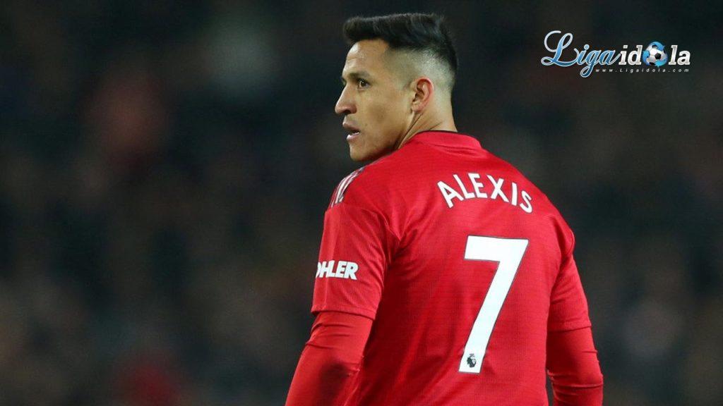 Solskjaer Pastikan Alexis Sanchez Bakal Kembali ke MU.