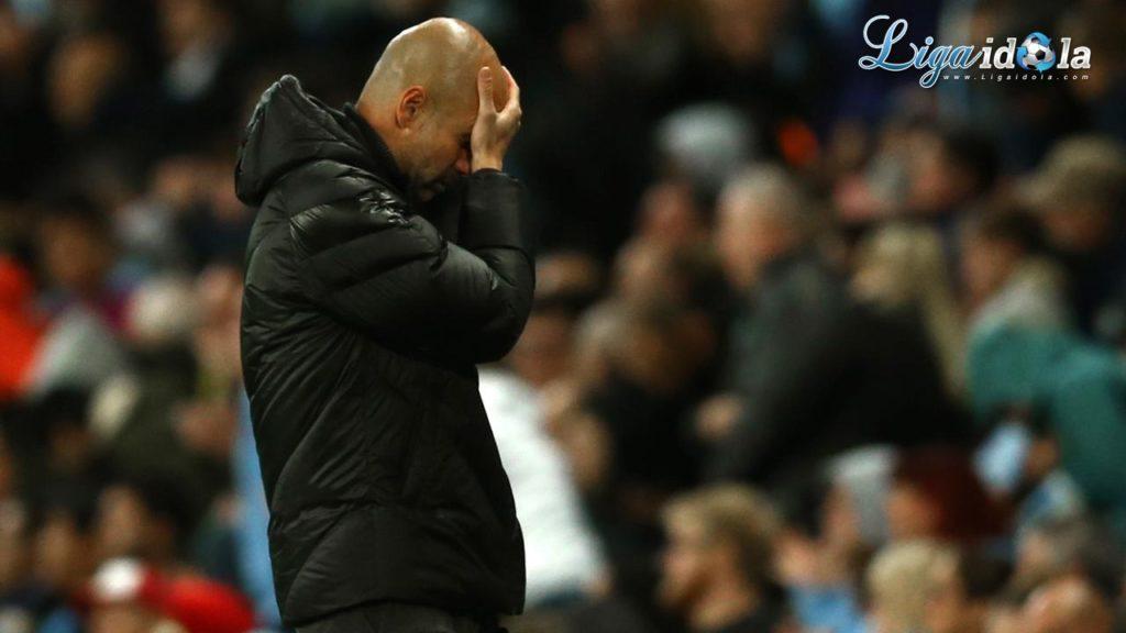 Terpuruk dan Frustrasi, Pep Guardiola Mengunci Diri di Kantor