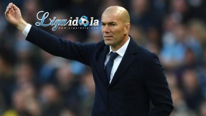 Zidane Kesal Pertandingan Melawan Osasuna Dipaksakan